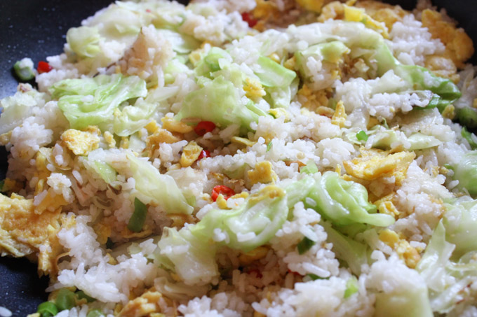 Cabbage fried rice in the pan