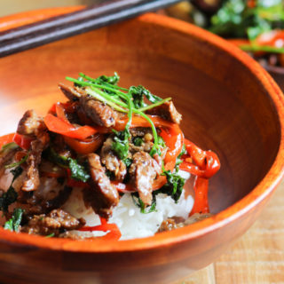 Stir fried beef with cilantro