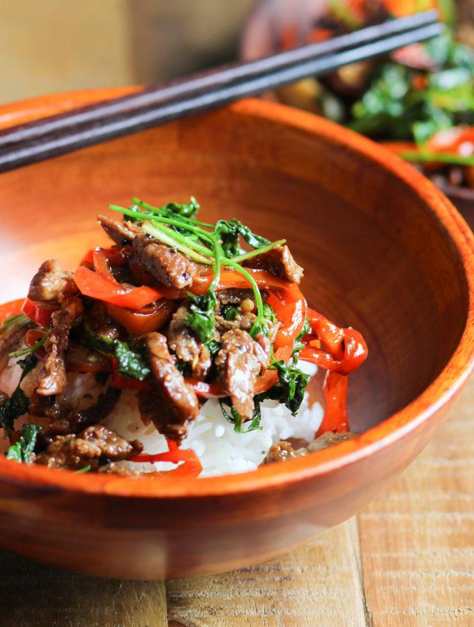 Stir fried beef with cilantro