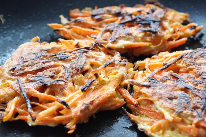 Tasty carrot pancake (5 of 12)