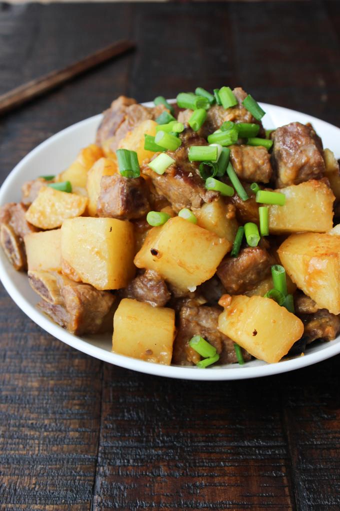 Korean-style pork ribs with potato