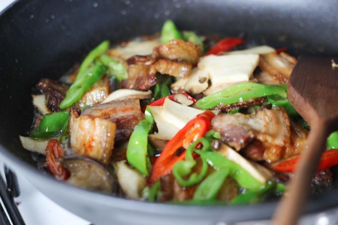Stir Fry Pork Belly and Mushroom