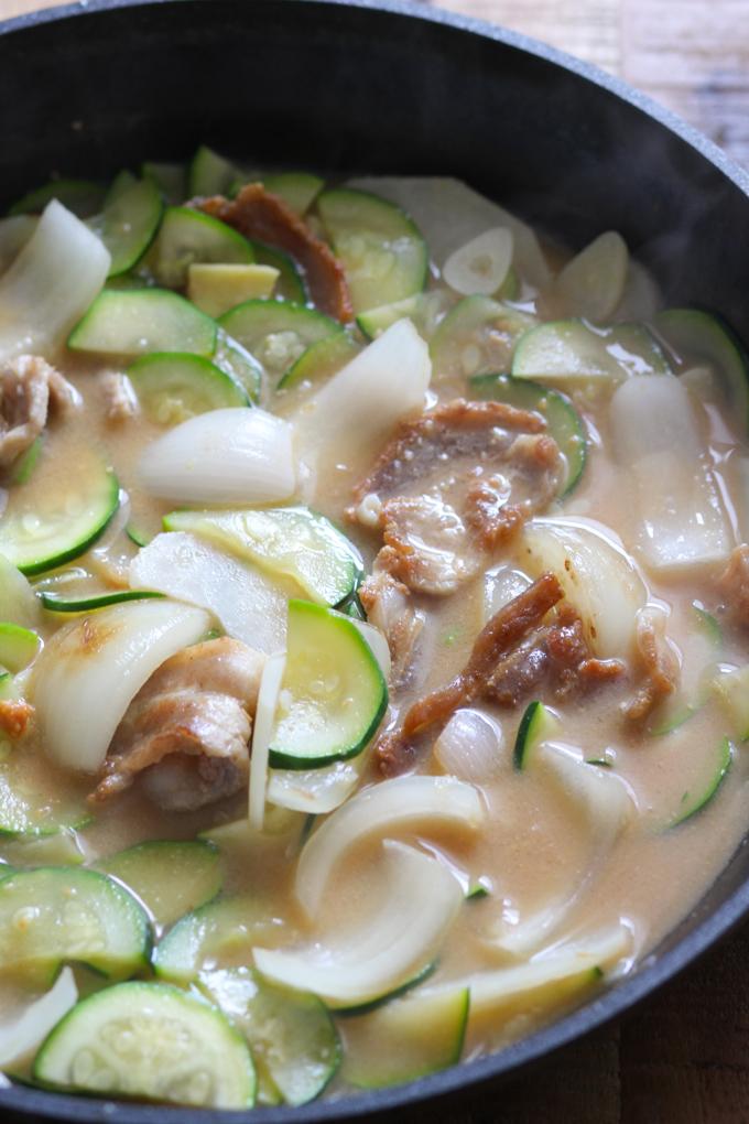 Korean-soybean-paste-soup