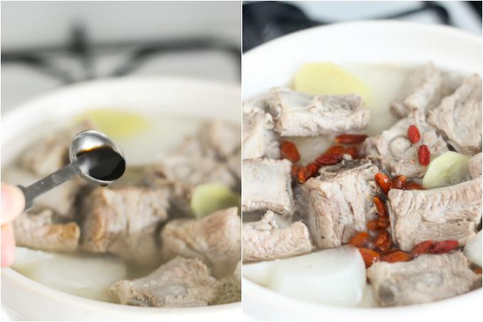 Pork rib soup with daikon step two